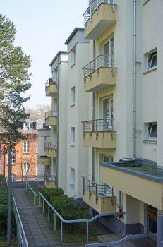 Teilansicht der Anbauten in der Lepsiusstraße 117 A und B.